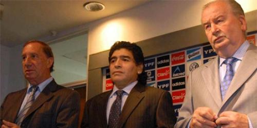 Maradona deja de ser técnico de la selección argentina