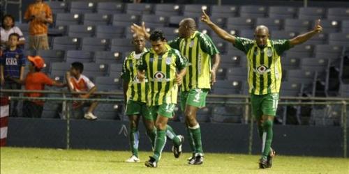 Marathón goleó 3-0 a Tauro en la Liga Campeones
