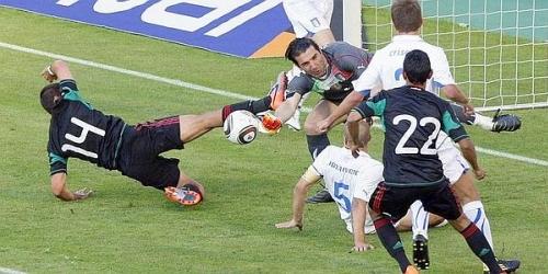 México derrotó a Italia (2-1) en amistoso premundialista