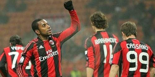 Milan golea 3-0 a Bari y pasa a cuartos de la Copa Italia