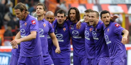 Milan pierde con Fiorentina en el regreso de Cassano