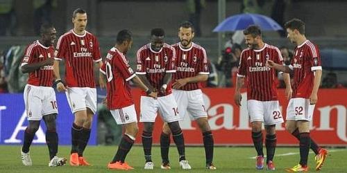 Muntari devuelve al Milan al liderato