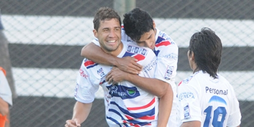 Nacional es el único puntero del Clausura