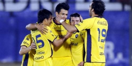 Nacional ganó y sigue liderando el Clausura