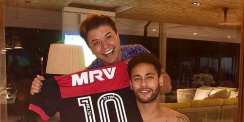 Neymar y la polémica van de la mano; ahora al brasileño se lo ve con una camiseta del Flamengo