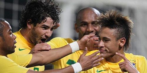Neymar y Pato meten a Brasil en los cuartos de final
