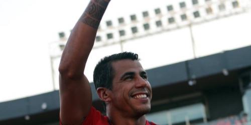 (OFICIAL) Carlos Bonet le dice adiós al fútbol