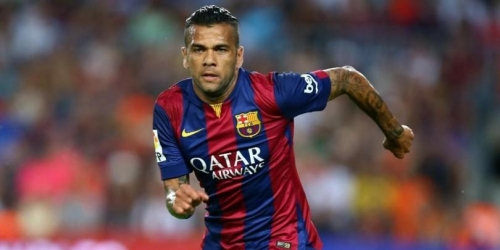 OFICIAL: Dani Alves renueva con el Barcelona