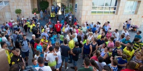 (OFICIAL) El Villareal suspende la presentación de Bacca por el atentado ocurrido en Barcelona