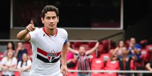 (OFICIAL) España, el mediocampista brasileño jugará en el Sevilla por 5 temporadas