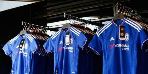 (OFICIAL) Inglaterra, el Chelsea firmó por 15 años con su nuevo sponsor técnico