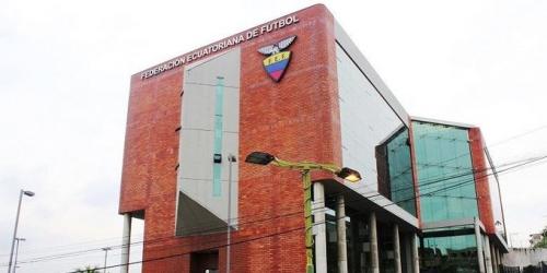 (OFICIAL) Integrante de la Comisión de selecciones de FEF presenta su renuncia