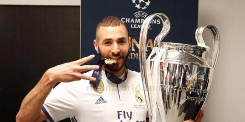 (OFICIAL) Karim Benzema renueva con el Madrid hasta 2021