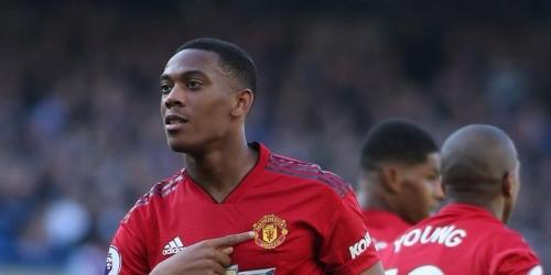 (OFICIAL) Otro jugador del Manchester United decide renovar con el equipo