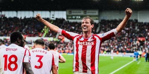 (OFICIAL) Peter Crouch renueva con el Stoke City