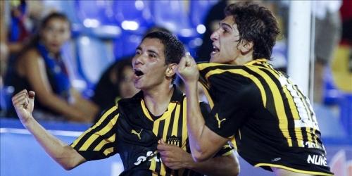 Peñarol goleó y es el líder solitario del Apertura