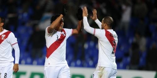 Perú derrotó a México y comparte la punta con Chile