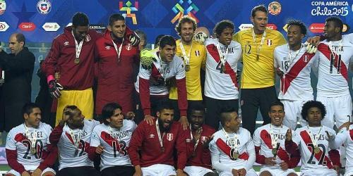 Perú derrotó a Paraguay y terminó tercero (2-0)
