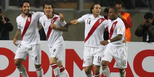 Perú venció a Paraguay en el debut de las Eliminatorias