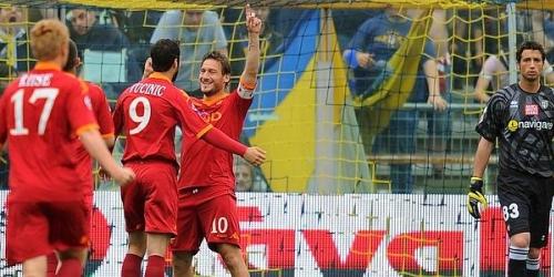 Roma, en espera del Inter, vuelve a la punta del 'calcio'