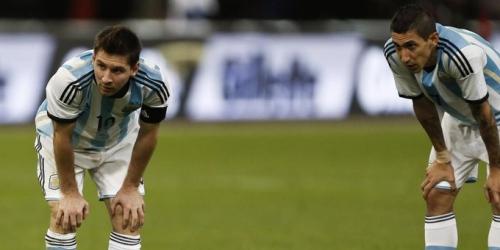 """Ronaldo es un excelente jugador, pero Messi es un extraterrestre""  (Angel Di Maria)"