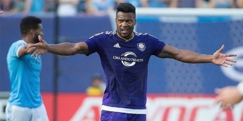 (RUMOR) Bolton Wanderers, quieren sacar del retiro a Julio Baptista