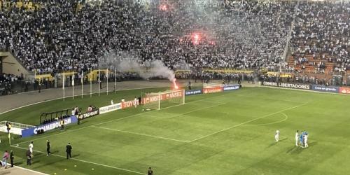 Santos-Independiente, partido suspendido por incidentes