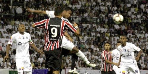 Sao Paulo y Once Caldas buscan el primer lugar del grupo