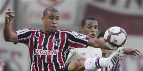 Sao Paulo y Universitario empataron sin goles en la ida