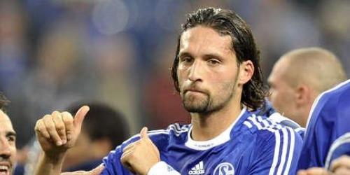 Schalke y Bayern Múnich comparten la punta