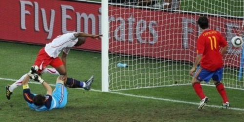 Suiza da la sorpresa, España pierde 1-0 en su debut