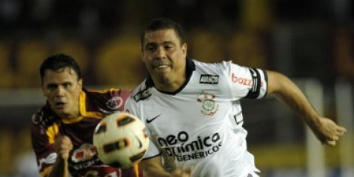 Tolima gana por 2-0 y elimina a Corinthians de Ronaldo