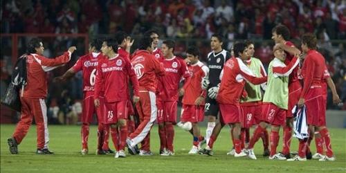 Toluca y Santos son finalistas del Bicentenario