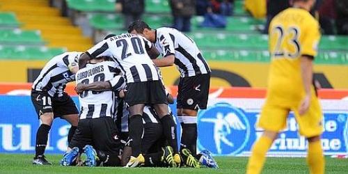Udinese y Lazio comandan en la Serie A