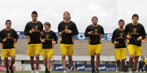 Universitario derrotó a San José en semifinales