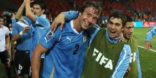 Uruguay golea a Indonesia (7-1) con dos 'tripletes'