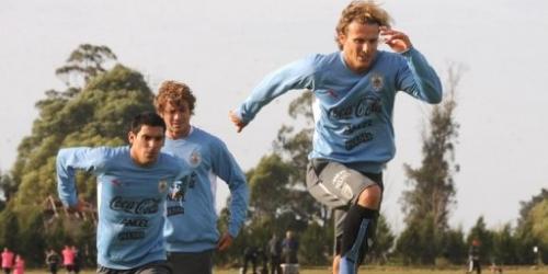 Uruguay va al Mundial con sueños pero con pies en la tierra