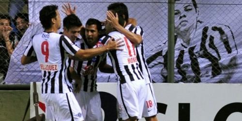 Vasco, Libertad y 'U' de Chile clasificaron a cuartos