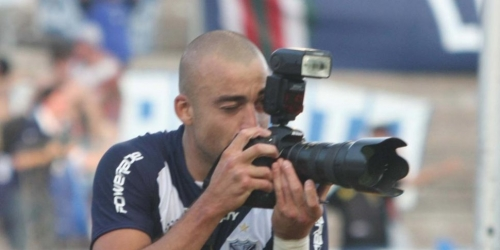 Vélez gana y acecha a Estudiantes, y Boca vuelve al triunfo