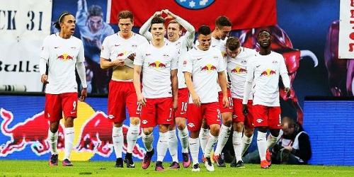 (VIDEO) Alemania, el RB Leipzig derrotó al Freiburg y sigue firme en la cima de la Bundesliga
