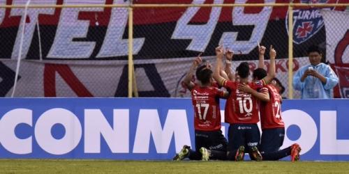 (VIDEO) Copa Libertadores, Peñarol perdió 6-2 en su debut frente al Wilstermann