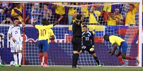 (VIDEO) Ecuador derrotó a El Salvador por 3-0 en Nueva Jersey