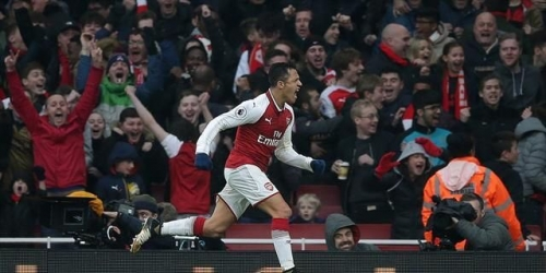 (VIDEO) El Arsenal venció al Tottenham Hotspur en el Emirates Stadium