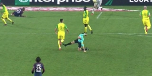 (VIDEO) Tony Chapron suspendido por su conducta antideportiva