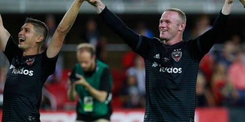 Wayne Rooney debuta anotando y con la nariz rota en la MLS