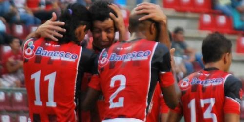 Zamora, Lara y Mineros son líderes del Apertura