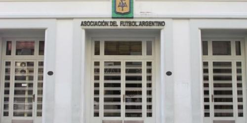 Argentina no tendrá director técnico hasta finales del año