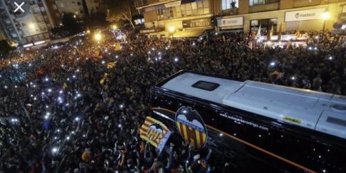 El Valencia CF pagaría por la osadía de su hinchada