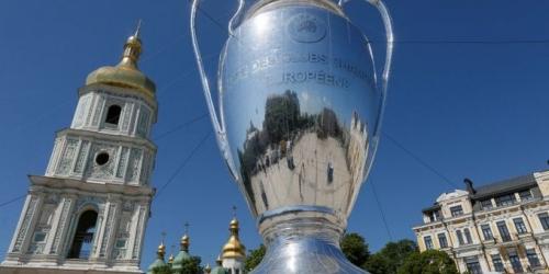 Hinchas devuelve cerca de 1000 entradas de la Champions League