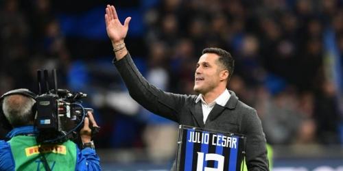 Julio Cesar fue homenajeado antes del derbi de Milán